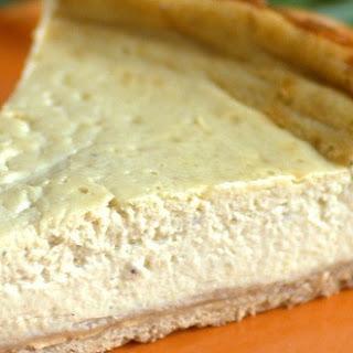Banana Cheesecake with Cinnamon Shortbread Crust.