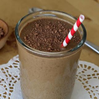 "Chocolate Banana Avocado ""Milkshake"" {Dairy-Free, Paleo}."