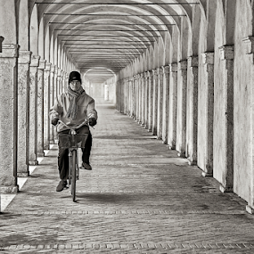 Mister rider by Simon Kovacic - Black & White Buildings & Architecture ( rider, comacchio, stone, mister,  )