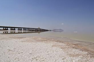 Photo: Orumieh - słone jezioro i droga nad nim