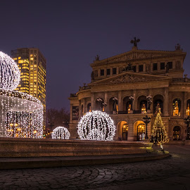 Oper by Ole Steffensen - Buildings & Architecture Public & Historical ( frankfurt, fountain, christmas, night, opera, germany )