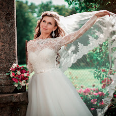 Wedding photographer Alena Komarova (AlenaKomarova). Photo of 19.08.2015