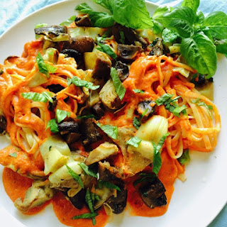 CREAMY TOMATO SAUCE WITH MUSHROOMS AND ARTICHOKES OVER LINGUINE
