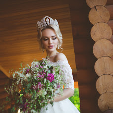 Wedding photographer Oksana Shuvalova (oksanashuvalova). Photo of 09.06.2017