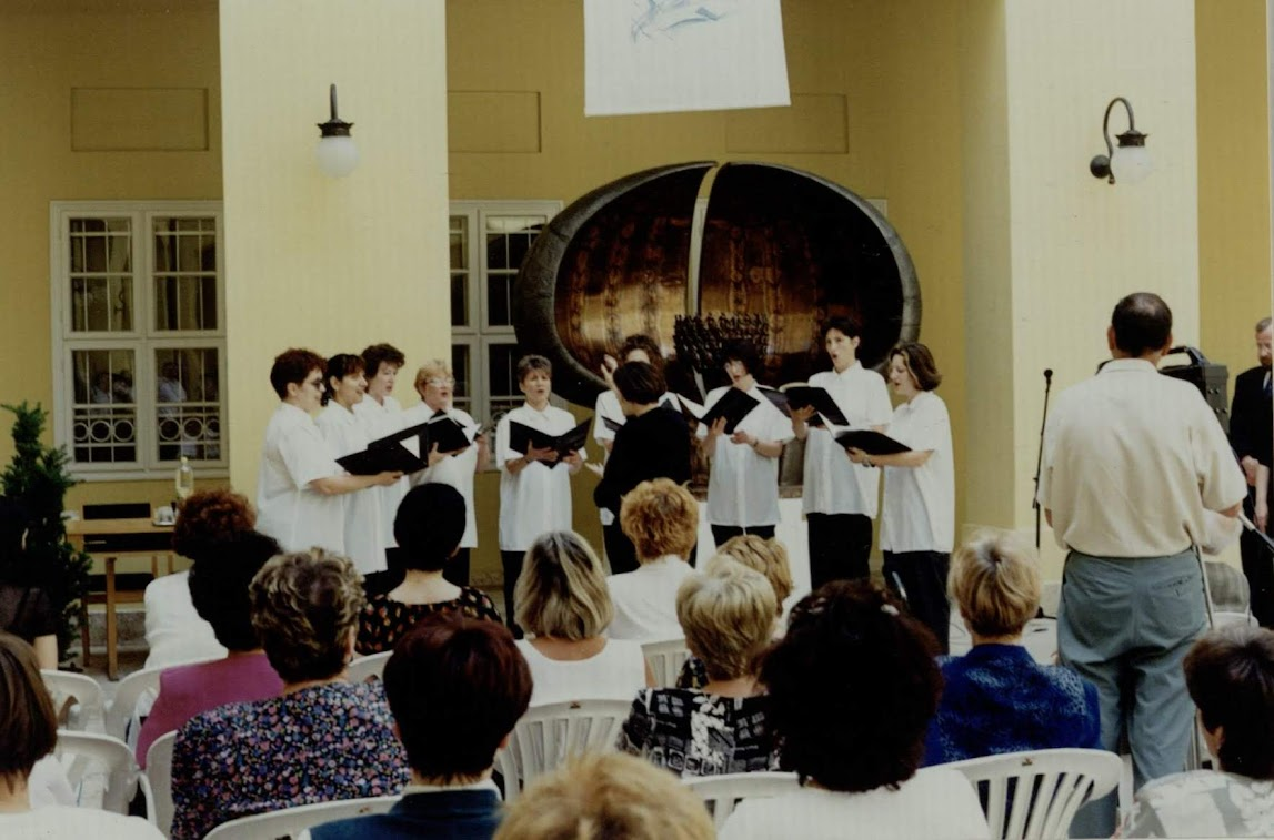 Szolnoki Népdalkör 2000