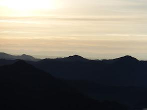 奥に鈴鹿山脈