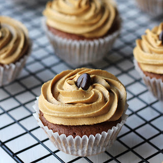 Coffee Cupcakes With Coffee & White Chocolate Buttercream