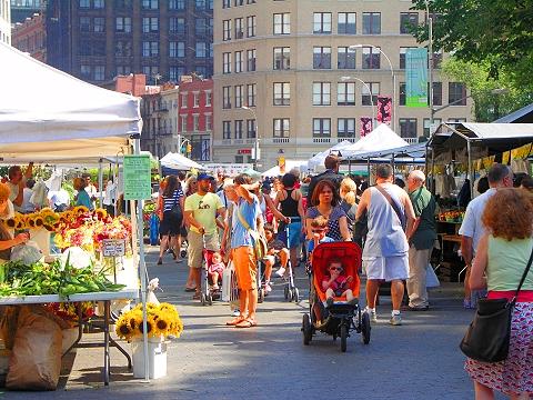 The farmer's market in Union Square. Photo: zyxwvvwxyz