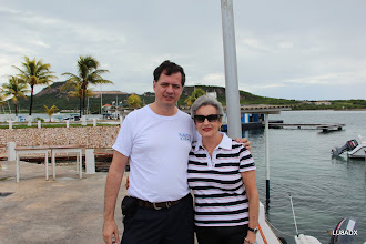 Photo: Diego - LU8ADX y Lya en el Yacht Club Curazao