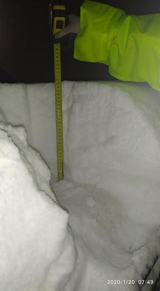 Altura de la nieva caída en Bacares. /Foto: Consuelo Medina Fernández