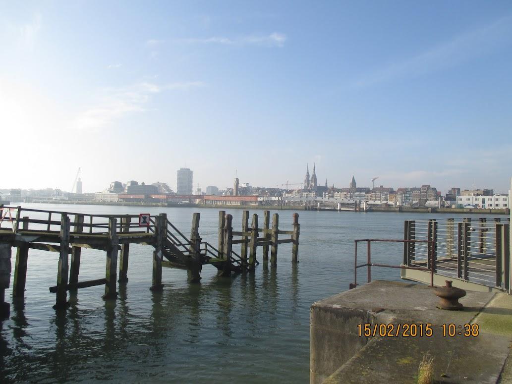 zicht op Oostende vanaf de Oosteroever