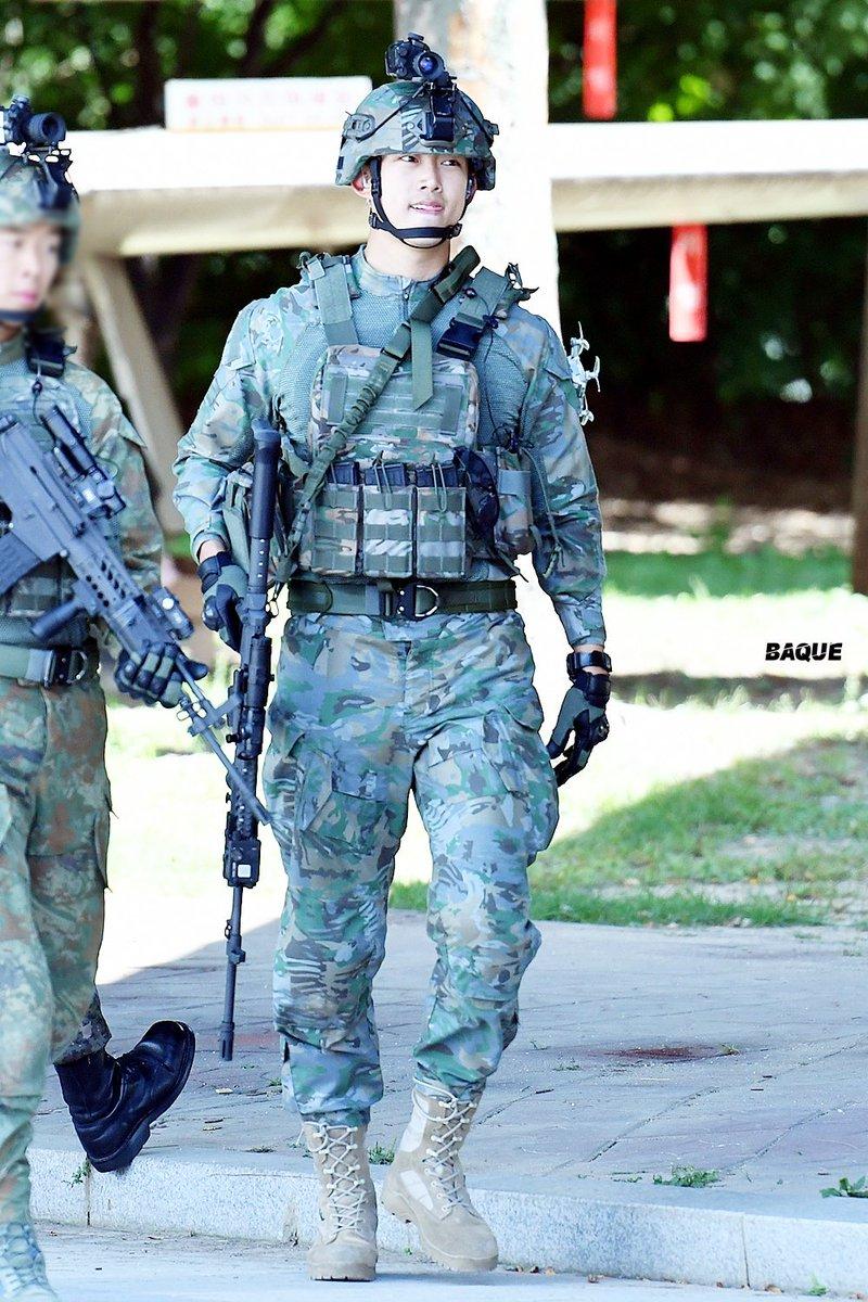 taecyeon captain korea 1