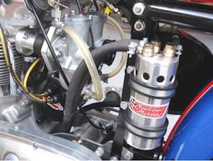 Détail des carburateurs de l'Etoile Filante, Triumph pre-unit tout alu construit par Machines et Moteurs à Eaubonne