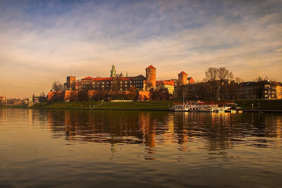 krakow-754659_960_720.jpg