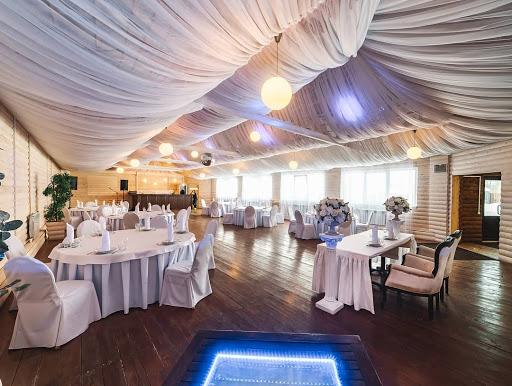 Площадка для свадьбы у воды «Большой зал »