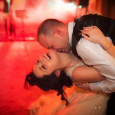 Wedding photographer Maurizio Crescentini (FotoLidio). Photo of 02.12.2018
