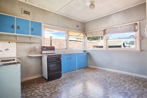 Photo of property at 31 Flora Street, Roselands 2196