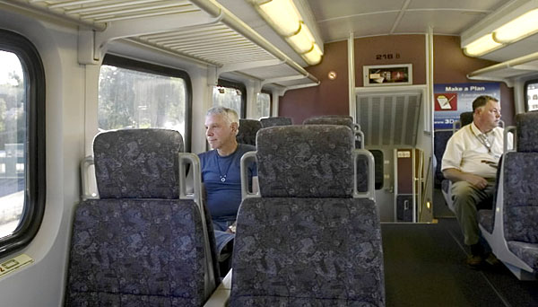 baggage racks on metrolink trains the transit coalition. Black Bedroom Furniture Sets. Home Design Ideas