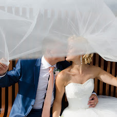 Wedding photographer Oskar Gribust (OscarGribust). Photo of 10.12.2014