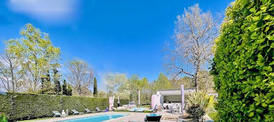 Vente villa 9 pièces 250 m2