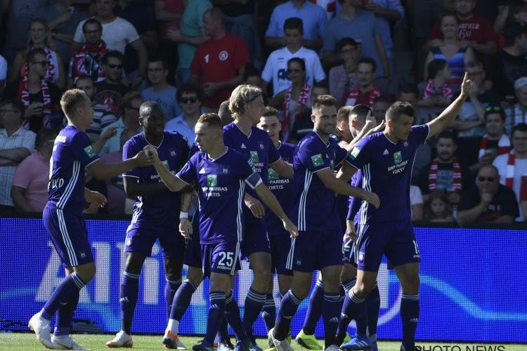 'Anderlecht wilde hem afgelopen winter, nu zit international zonder club en wordt hij opnieuw bij paars-wit genoemd'