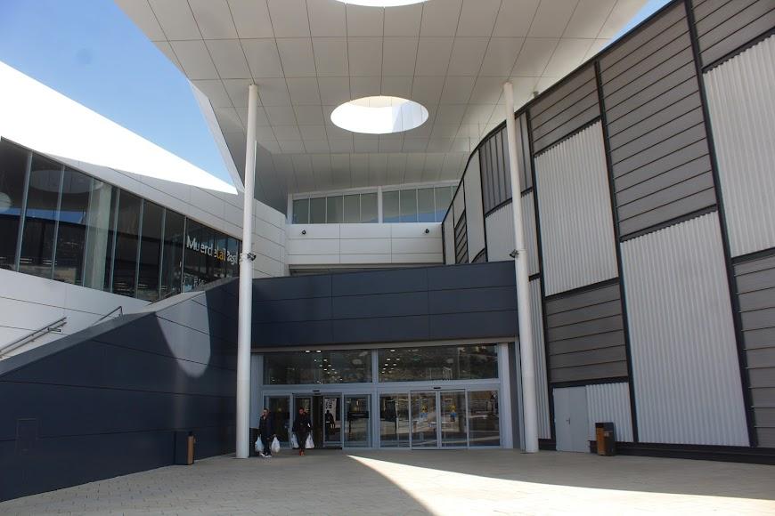 El Centro Comercial Torrecárdenas permanece abierto.