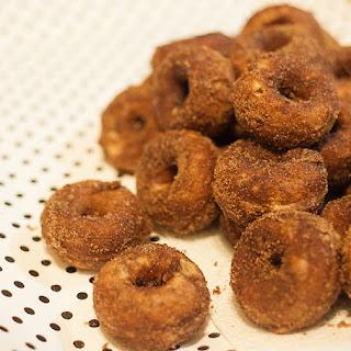 Mini Pumpkin Spice Cake Donuts
