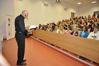 """Photo: Ostravská univerzita v Ostravě, Přírodovědecká fakulta, přednáška s názvem """"Chemie lásky"""" (pátek 2. listopad 2012)."""