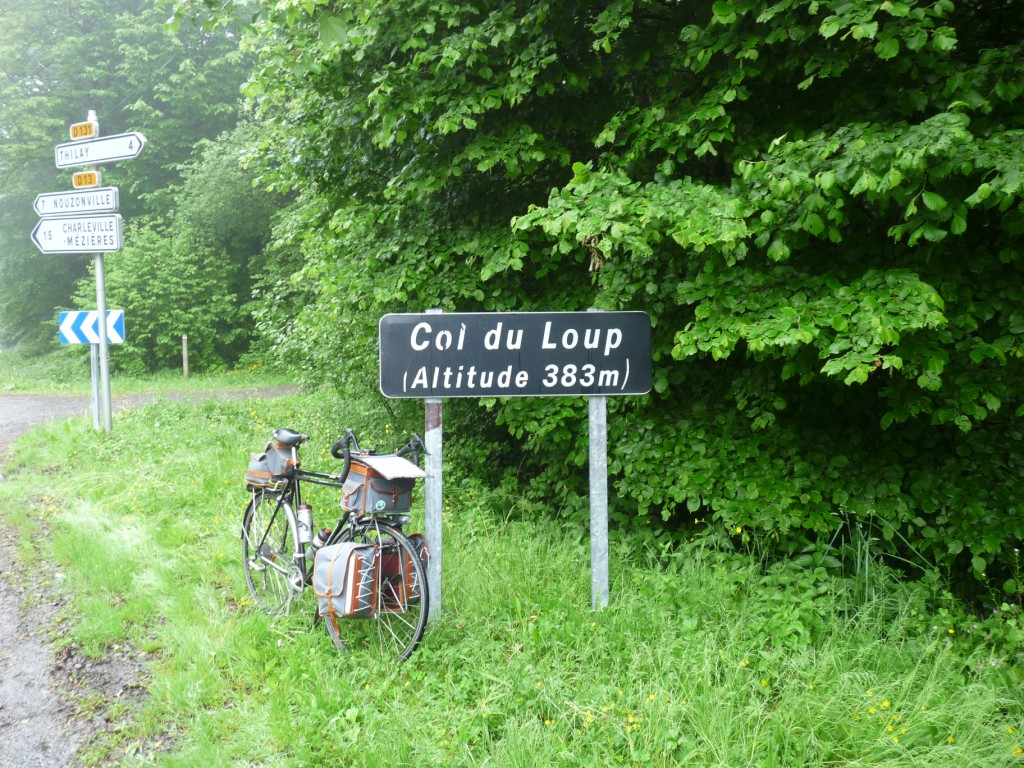 Photo: Le col du Loup (Ardennes), 383 m, le 28 mai 2009