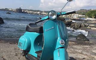 Piaggio Vespa 50 R Rent Sicilia