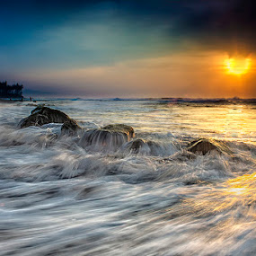 .:: wave fanfare ::. by Setyawan B. Prasodjo - Landscapes Sunsets & Sunrises ( bali island, waterscape, leissure, tourism, seascape, riots, landscape, slow speed photography, gradual neutral density filter, manyar beach, sunset, coconut tree, wave, hideaway, sunrise, water motion )