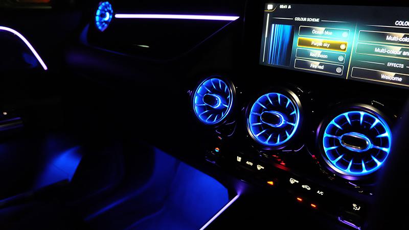 จุดเด่นของรถยนต์ : Mercedes Benz GLA 200 AMG Dynamic 02