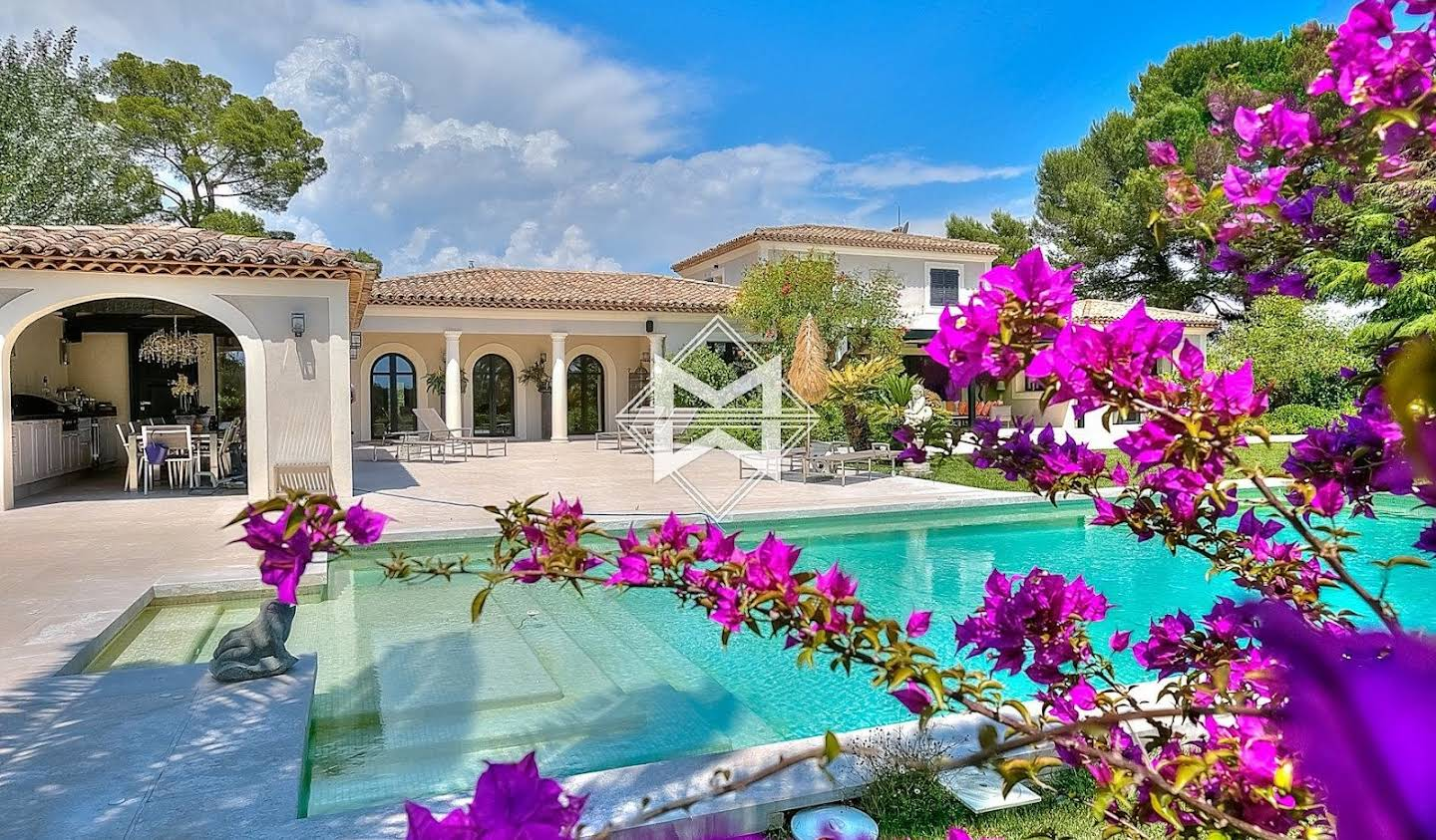 Villa with pool Mougins