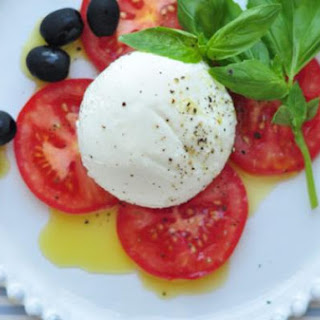 Caprese Salad With Olives
