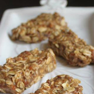Raw & Gluten Free Honey Bunches of Oats Bars.