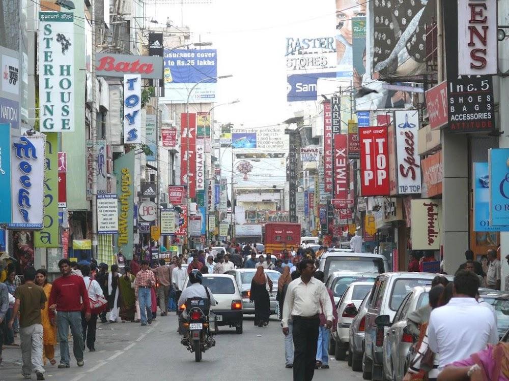 places-visit-bangalore-commercial-street-image