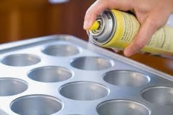 Preheat oven to 350^. Spray 8 jumbo muffin cups or 8- 6 oz. glass...