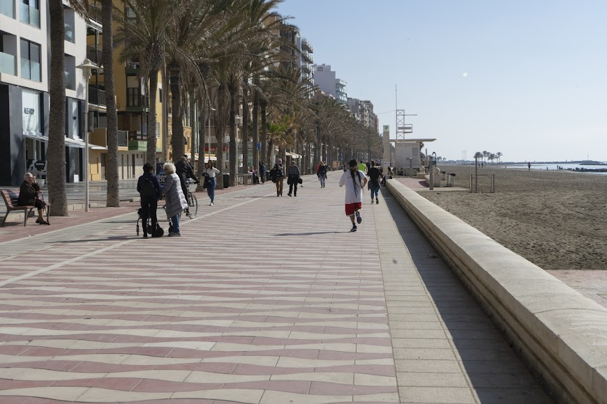 Paseo Marítimo Carmen de Burgos.