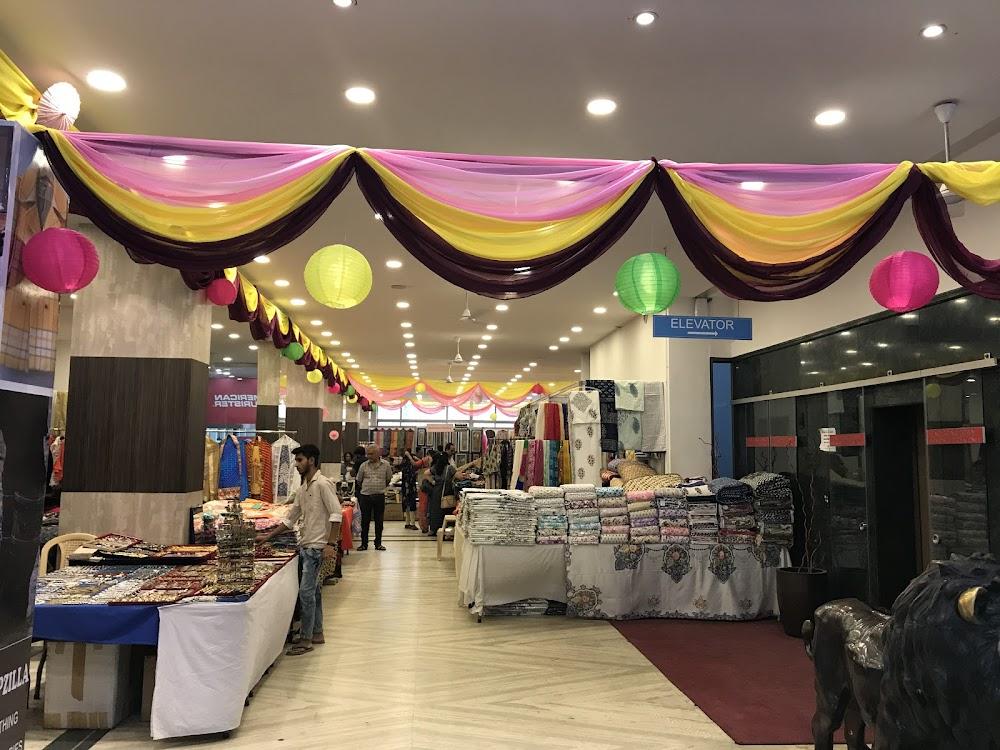 christmas-decor-shopping-in-bangalore_safina_plaza