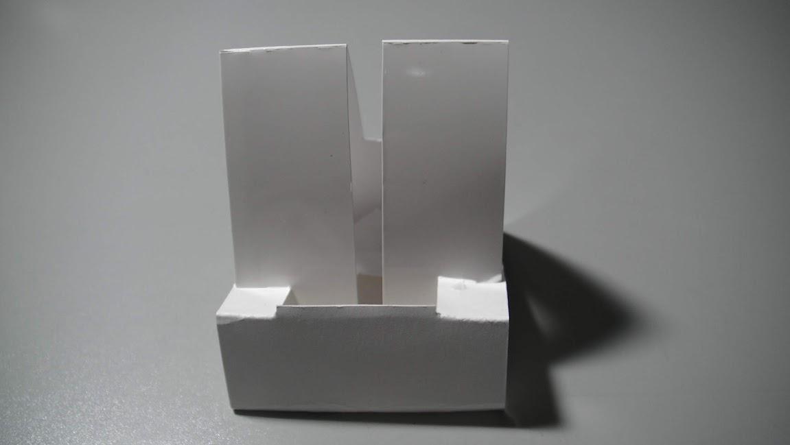 종이로 만든 아이팟터치 독