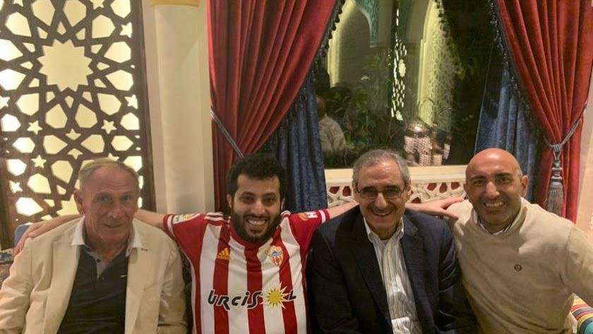 La foto de la úlitma Cumbre de Turki Al-Sheikh con entrenadores.