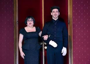 Photo: WIEN/ Burgtheater: Eugène Labiche ‹Die Affäre Rue de Lourcine›. Erweiterte Fassung von Elfriede Jelinek. Premiere am 18.4.2015. Maria Happel, Markus Mayer. Copyright: Barbara Zeininger