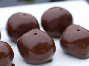 Easy Peanut Butter Balls Recipe