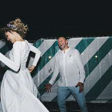 Wedding photographer Valya Lipatova (LipaValenti). Photo of 25.07.2017