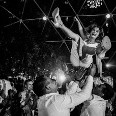 Wedding photographer Anna Kozdurova (Chertopoloh). Photo of 22.08.2017