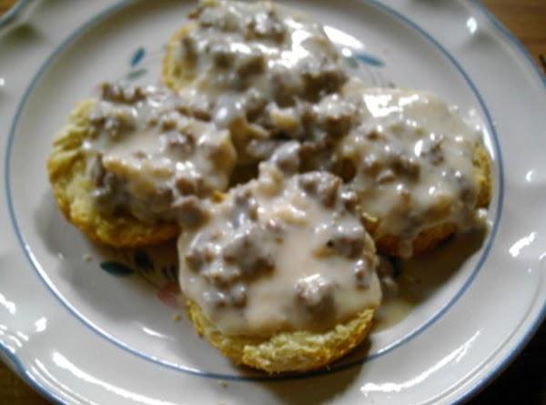 Sausage Gravy With Buttermilk Biscuits Recipe