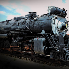 Madame Queen by Sherry Dennis - Transportation Trains