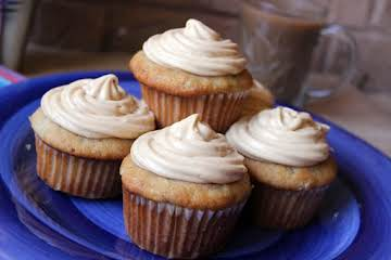 Banana Muffins With Peanut Butter Cream Filling