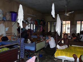 Photo: Visite matinale des dortoirs chez Emile