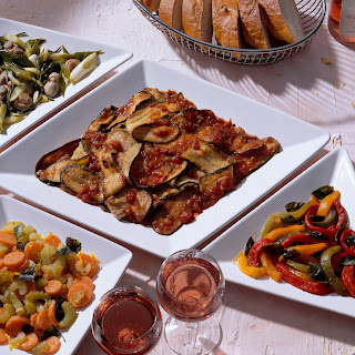 Marinierte Auberginen und Zucchini